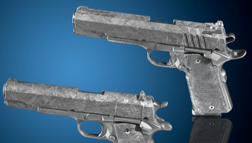 Meteorytowy Colt: 4,5 miliarda lat zamknięte w pistoletach