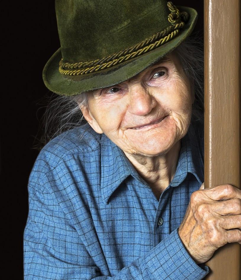 """Metoda """"na wnuczka"""" to też sytuacje podobne do przygody pani Eugenii /123RF/PICSEL"""