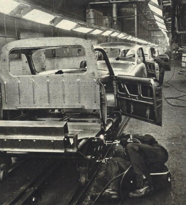 Metody wytwarzania tego nie najwyższej już konstrukcji samochodu są dalekie od współczesnych wymagań i w zdecydowany sposób wywierają wpływ na jakość Syreny. Duża jest ilość operacji spawalniczych, których przecież w ogóle już nie stosuje się w nowoczesnych procesach produkcyjnych. /Motor