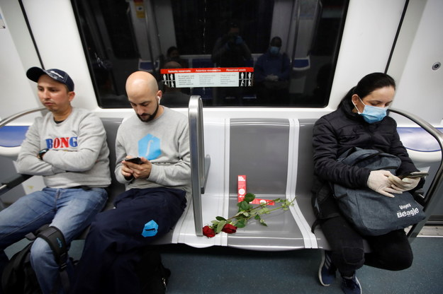 Metro w Barcelonie /MARTA PEREZ /PAP/EPA