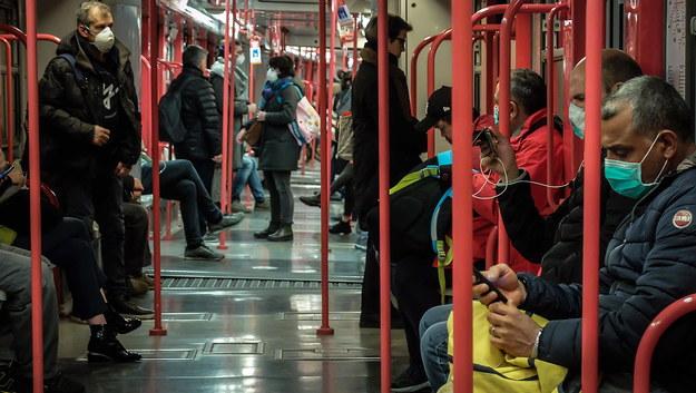 Metro w Mediolanie /MATTEO CORNER /PAP/EPA