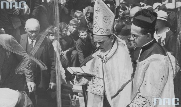 Metropolita arcybiskup Eugeniusz Baziak został zmuszony do opuszczenia diecezji /Z archiwum Narodowego Archiwum Cyfrowego