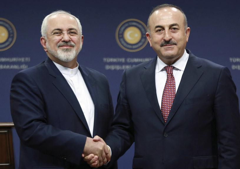 Mevlut Cavusoglu i Mohammad Dżawad Zarif /AFP