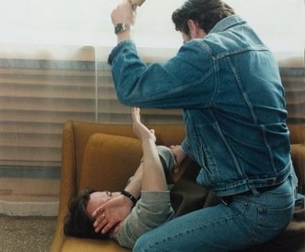 Mężczyzna brutalnie znęcał się nad żoną i dziećmi /© Bauer