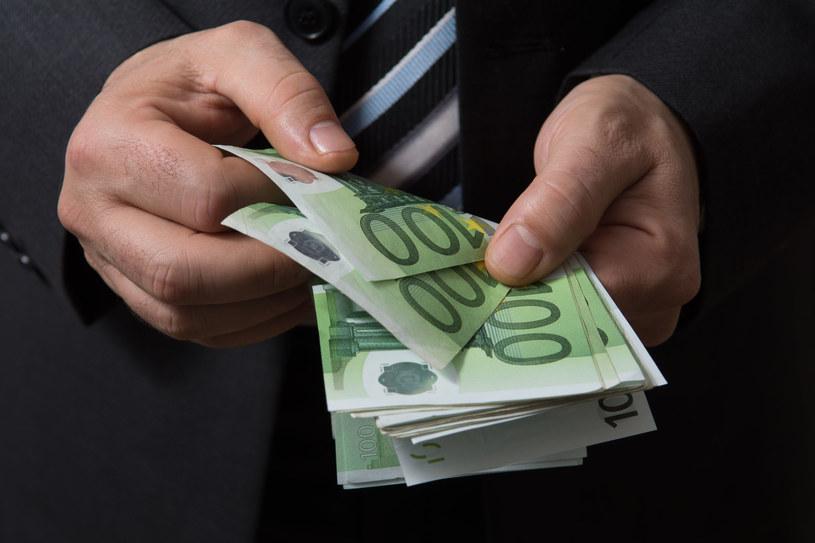 Mężczyzna cały czas pobierał wynagrodzenie, zdj. ilustracyjne /123RF/PICSEL