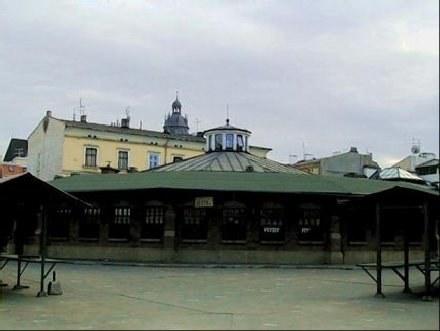 Mężczyzna handlował na krakowskim placu Nowym /INTERIA.PL