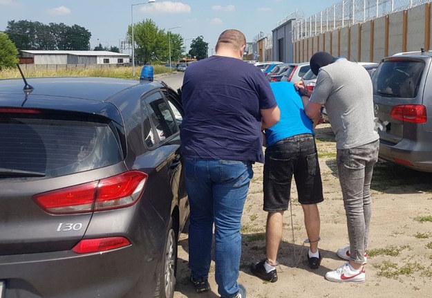 Mężczyzna miał grodzić braciom zabitego 20-latka /Policja Mazowiecka  /