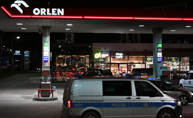 Mężczyzna podpalił się na stacji benzynowej. Jest podejrzewany o zabójstwo