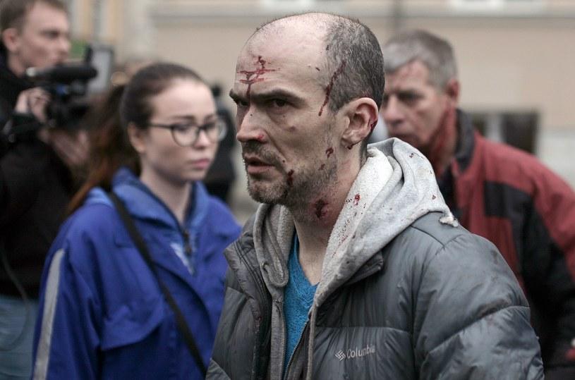 Mężczyzna poszkodowany w wyniku eksplozji w metrze /AFP