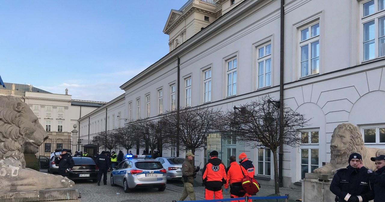 Mężczyzna próbował sforsować bramę Pałacu Prezydenckiego