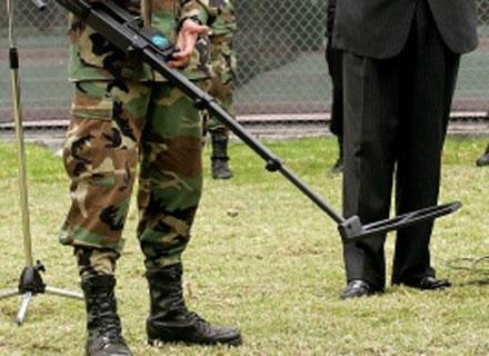 Mężczyzna śledzący partnerkę jest jak saper - myli się tylko raz /AFP