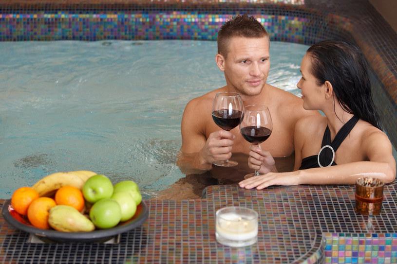 Mężczyźni coraz chętniej korzystają z oferty salonów spa /123RF/PICSEL