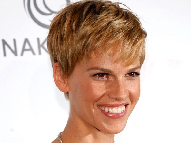 Mężczyźni nie lubią, gdy kobieta ma krótkie włosy  /Getty Images/Flash Press Media