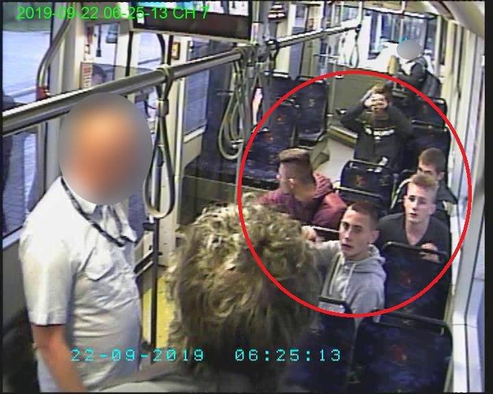 Mężczyźni poszukiwani przez krakowską policję /Policja /Policja