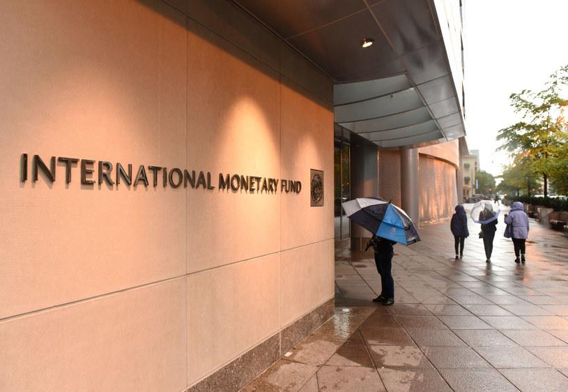MFW twierdzi, że państwa, które nie są w stanie dalej się zadłużać, powinny dostać wsparcie społeczności międzynarodowej. /123RF/PICSEL