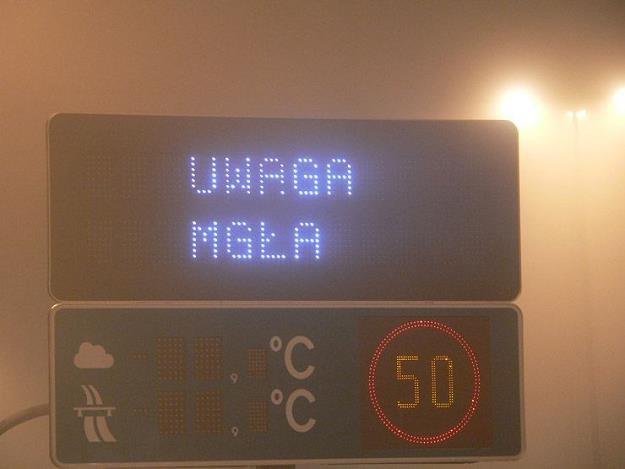 Mgła to bardzo poważne utrudnienie dla kierowców /INTERIA.PL