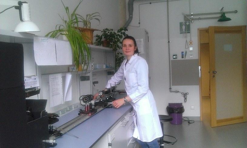 Mgr Anna Tokarzewicz z Instytutu Chemii UwB /www.uwb.edu.pl /&nbsp