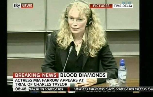 Mia Farrow przed haskim trybunałem  /Splashnews