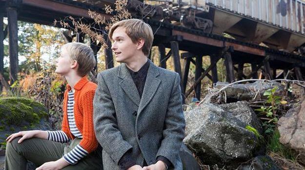 """Mia Wasikowska i Henry Hopper w filmie """"Restless"""" /materiały dystrybutora"""