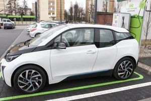 Miał być milion elektrycznych aut. Będzie 13 tysięcy?