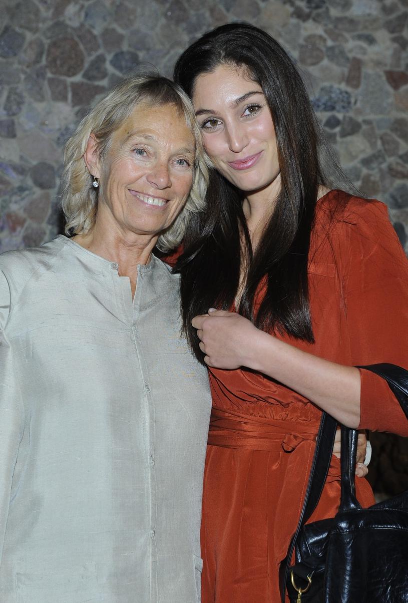 """""""Miałam szczęście. Wychowała mnie osoba uduchowiona i mądra"""" - mówi Orina Krajewska o swojej mamie /East News"""