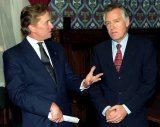 Michael Douglas i Peter Hain - minister spraw zagranicznych Wielkiej Brytanii /EPA