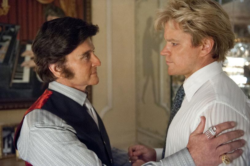 """Michael Douglas oraz Matt Damon w filmie """"Wielki Liberace"""" /materiały prasowe"""