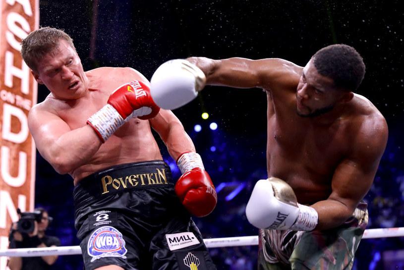 Michael Hunter (z prawej) w walce z Aleksandrem Powietkinem /Getty Images