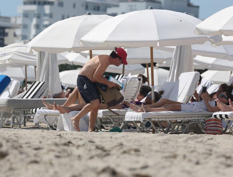 Michael J. Fox na wakacjach z rodziną. Mimo choroby stara się żyć normalnie /KDNPIX /East News
