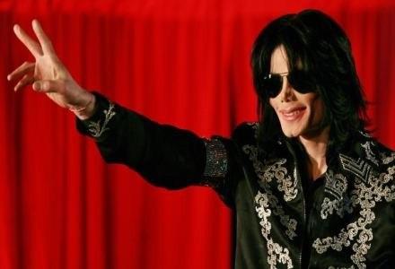 Michael Jackson na kilka miesięcy przed śmiercią /AFP