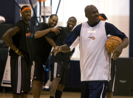 Michael Jordan wciąż utrzymuje się w niezłej formie /Getty Images/Flash Press Media