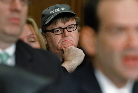 Michael Moore przyjrzy się bankierom z Wall Street - fot. Chip Somodevilla /Getty Images/Flash Press Media