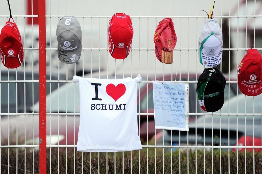 Michael Schumacher jest w szpitalu od 29 grudnia /MARIUS BECKER  /PAP/EPA
