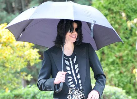 Michaelowi Jacksonowi dopisuje humor /Agencja FORUM