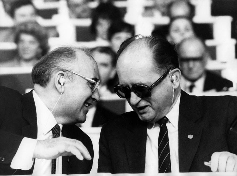 Michaił Gorbaczow i Wojciech Jaruzelski /AFP