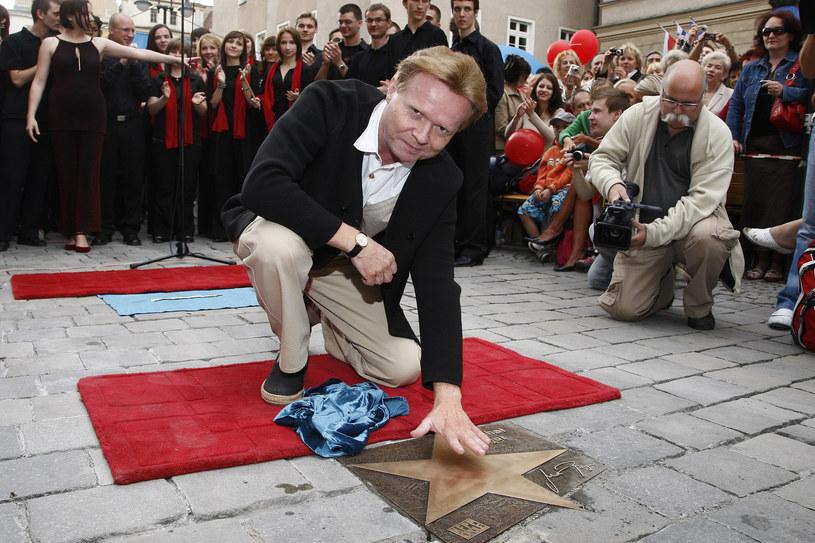 Michał Bajor odsłonił w 2008 roku swoją gwiazdę w Opolu /AKPA