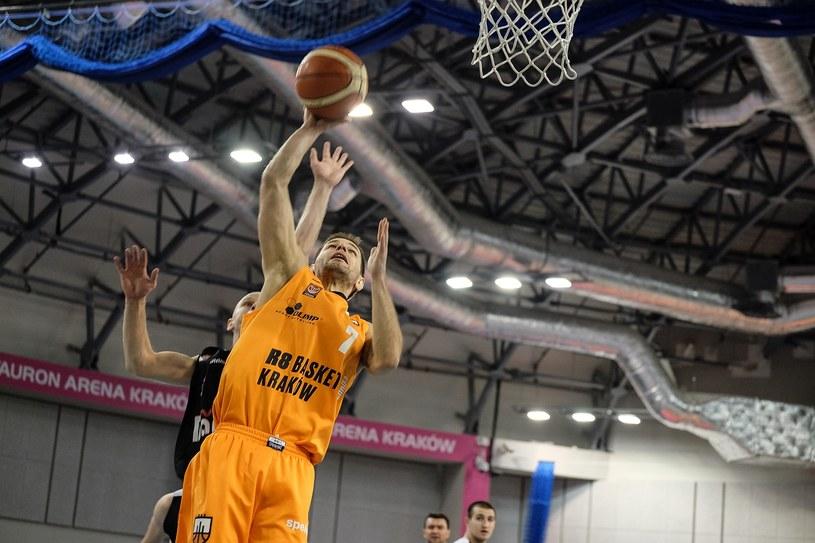Michał Baran zdobywa punkt dla R8 Basket /Paweł Krawczk /INTERIA.PL