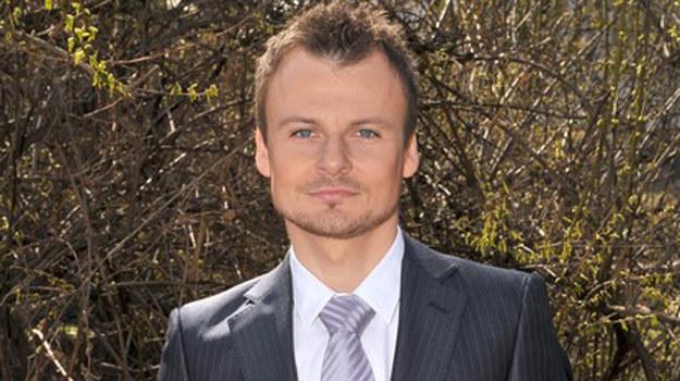 Michał Chojnicki (Daniel Zawadzki) wreszcie stanie na ślubnym kobiercu / fot. Kurnikowski /AKPA