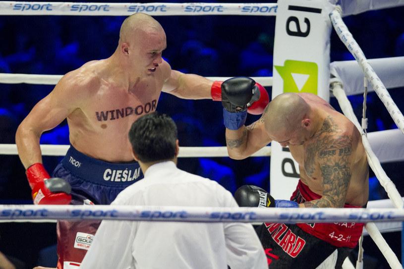 Michał Cieślak (z lewej) pokonał byłego mistrza świata Francisco Palaciosa /Andrzej Iwańczuk/Reporter /East News