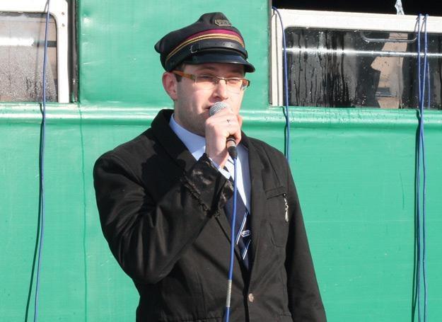 Michał Jurkiewicz (Śrubki) w kolejarskim mundurze /INTERIA.PL