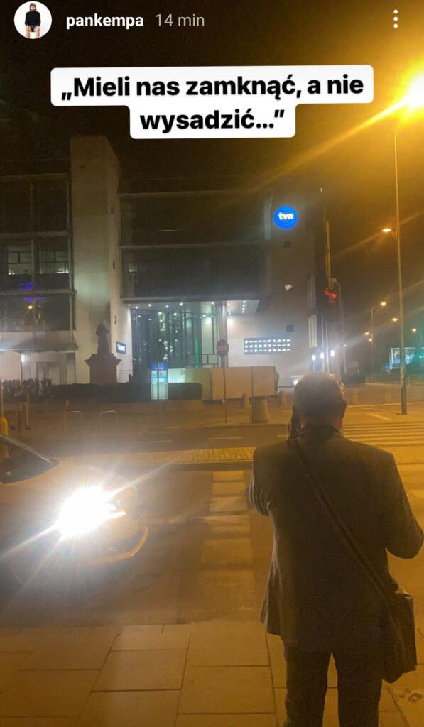 Michał Kempa relacjonował nocne wydarzenia pod TVN/instagram.com/pankempa/ /Instagram