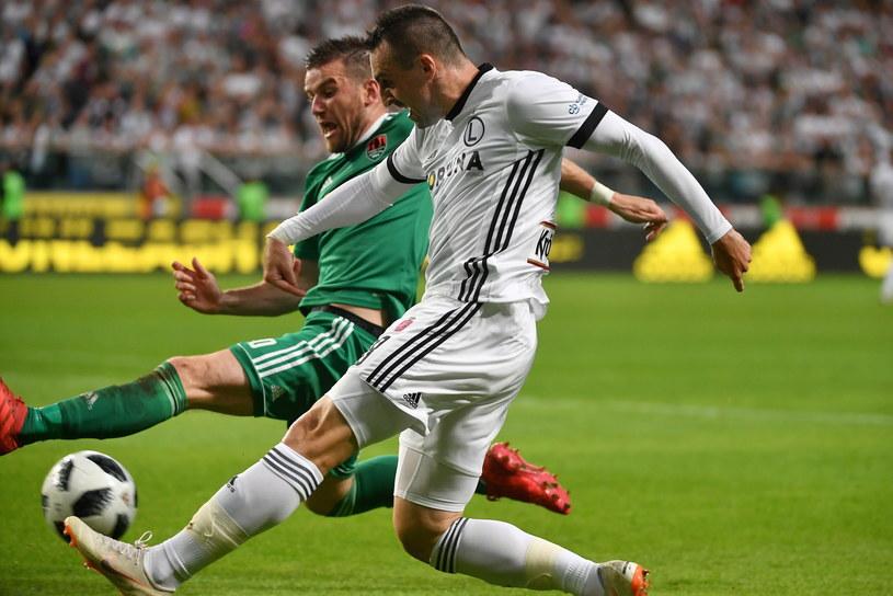 Michał Kucharczyk i Legia przetarli się przed Ekstraklasą, pokonując irlandzki Cork City w el. Ligi Mistrzów 3-0. / Bartłomiej Zborowski    /PAP
