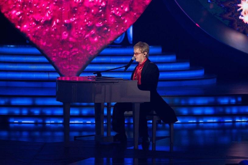 Michał Kwiatkowski jako Elton John /Polsat