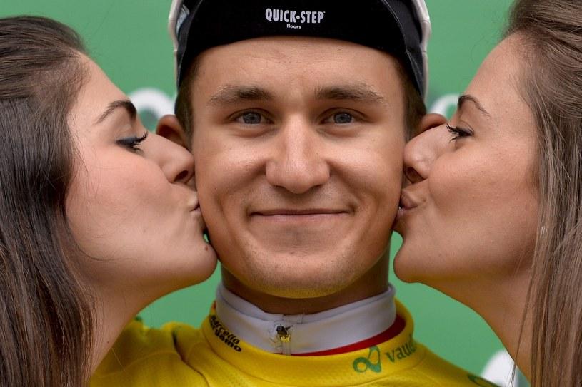 Michał Kwiatkowski na podium po po prologu Tour de Romandie /AFP