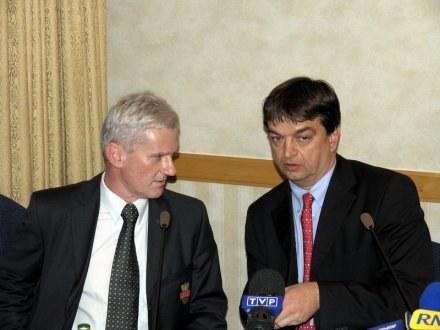 Michał Listkiewicz i Jerome Champagne na konferencji prasowej /INTERIA.PL