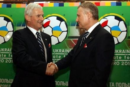 Michał Listkiewicz (z lewej) i Hrihorij Surkis /Agencja Przegląd Sportowy