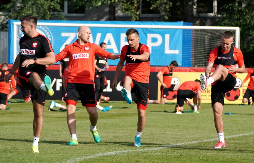 Michał Pazdan (drugi od lewej), podczas treningu kadry /Bartłomiej Zborowski /PAP