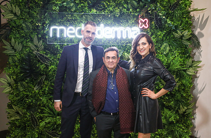Michał Spadziński (Sesderma), dr Gabriel Serrano (twórca marki Mediderma i Sesderma), Katarzyna Kaniewska (Sesderma) /materiały promocyjne
