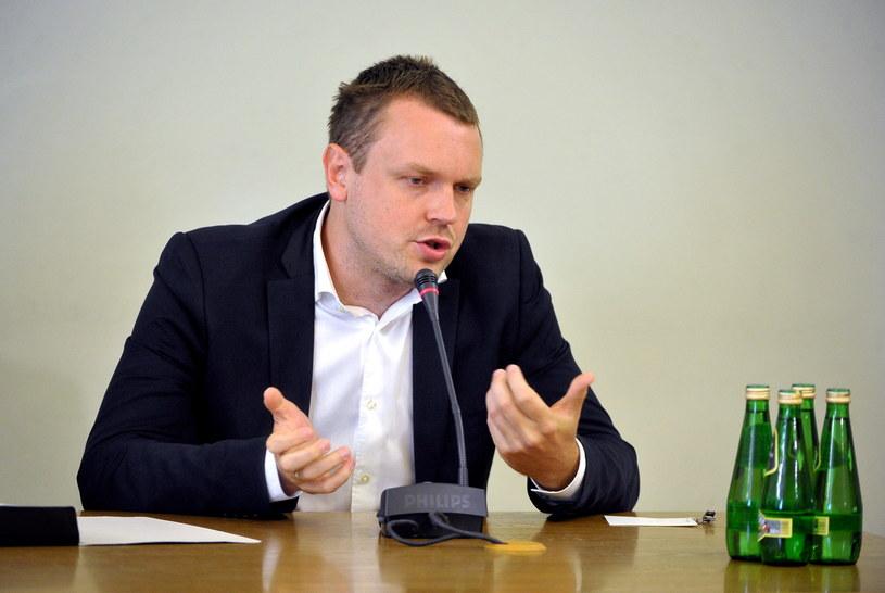 Michał Tusk zeznaje przed sejmową komisją śledczą ds. Amber Gold /Marcin Obara /PAP