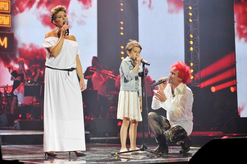 Michał Wiśniewski i jego córka Etiennette razem na scenie /Łukasz Kalinowski /East News